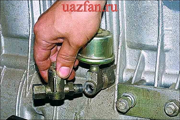 Снятие крана масляного радиатора