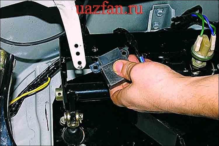 Замена реле стеклоочистителя и омывателя ветрового стекла