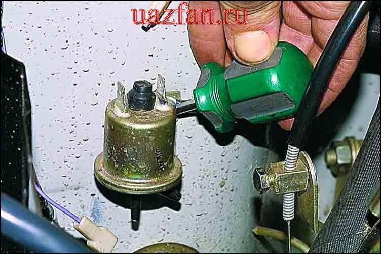 Проверка и замена электромагнитного клапана системы ЭПХХ