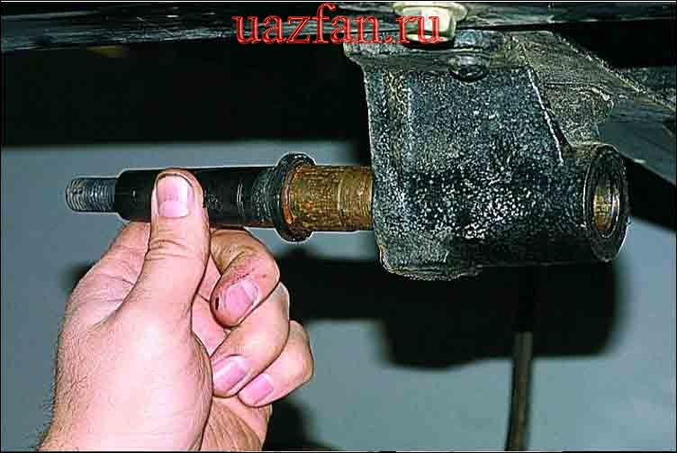 Снятие, разборка рессоры и замена ее резиновых втулок