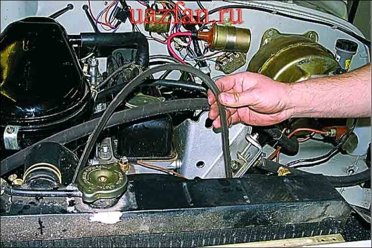 Замена и регулировка натяжения ремней привода агрегатов