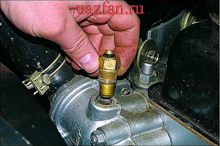 Замена датчиков указателя температуры и перегрева охлаждающей жидкости