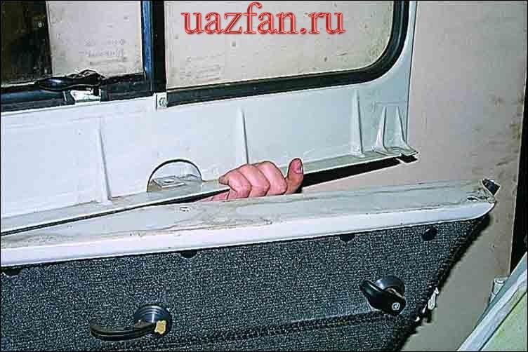 Снятие рамы стекла двери