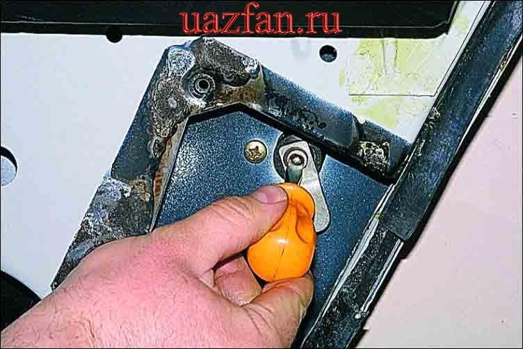Снятие ручки двери