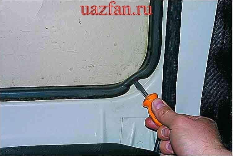 Замена стекол двери