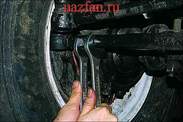 Регулировка схождения передних колес