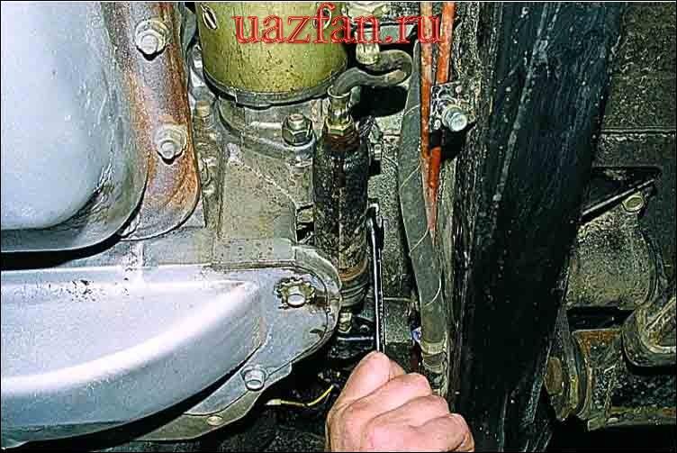 Снятие рабочего цилиндра гидропривода