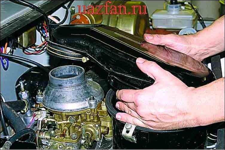 Замена фильтрующего элемента воздушного фильтра
