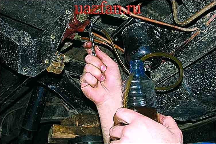 Прокачка тормозной системы и замена тормозной жидкости