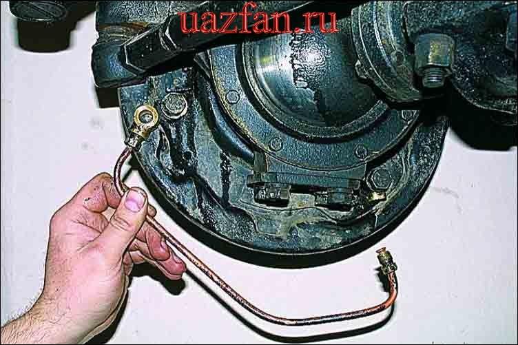 Замена тормозных цилиндров и трубки переднего колеса