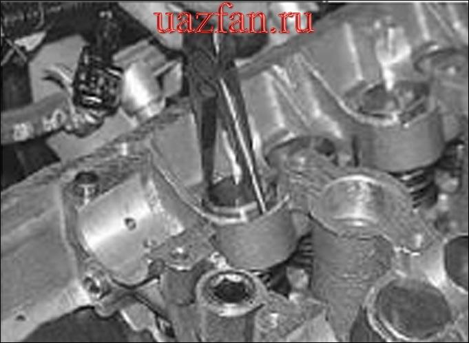 Замена гидротолкателей в механизме привода клапанов