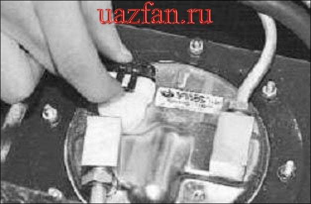 Snyatie i ustanovka rasshiritel'nogo bachka