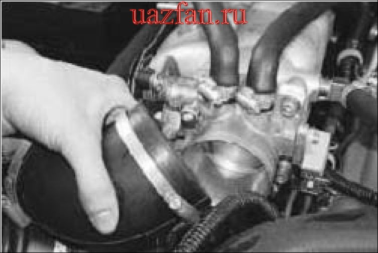 Снятие и установка дроссельного узла
