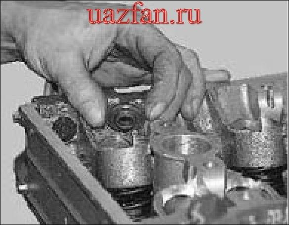 Замена маслосъёмных колпачков клапанов
