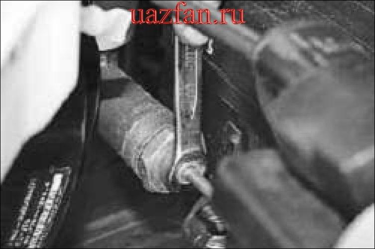Замена главного цилиндра привода выключения сцепления