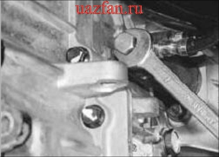 Замена рабочего цилиндра привода выключения сцепления