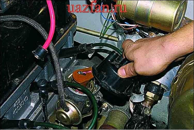 Замена крышки и бегунка датчика-распределителя